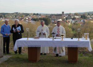 Einsegnung Weißes Kreuz Donnerstag, 21.04.2016